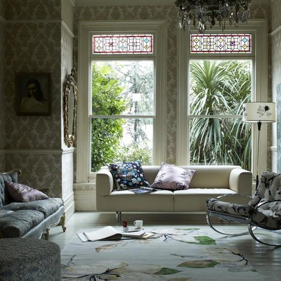 Gold pattern living room living room design wallpaper for Gold wallpaper living room ideas