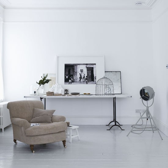 Minimalist white living room living room idea for White minimalist living room