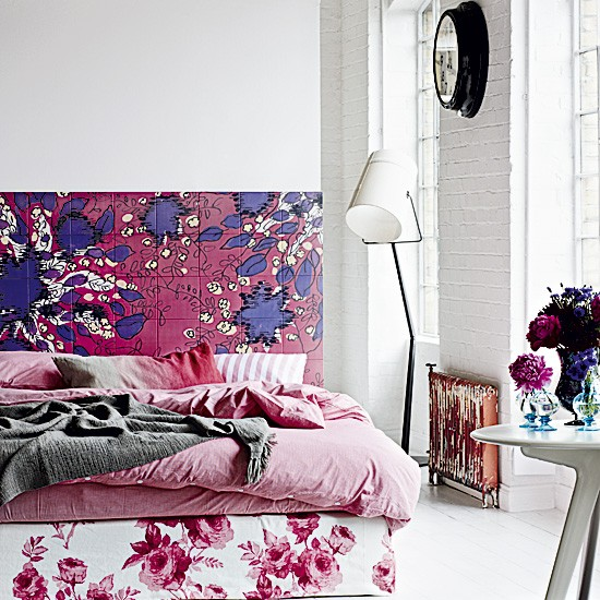 Bold floral bedroom modern decorating ideas for Bold bedroom ideas