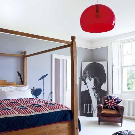 Modern retro bedroom bedroom ideas four poster bed for Retro 60s bedroom ideas