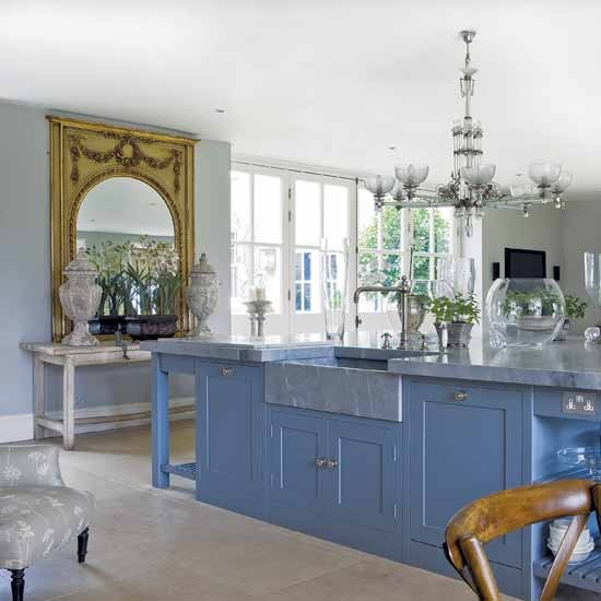 Traditional blue kitchen | Kitchen designs | Kitchen islands | Image | Housetohome.co.uk
