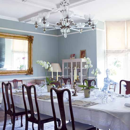 Light traditional dining room | Dining room designs | Chandeliers | Image | Housetohome.co.uk