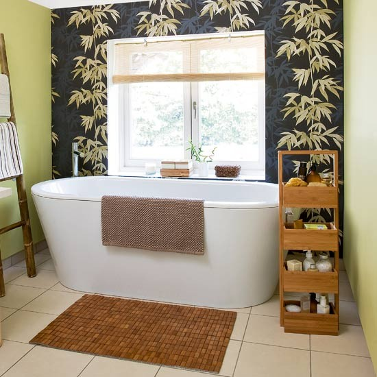 oriental style bathroom with bamboo feature wall