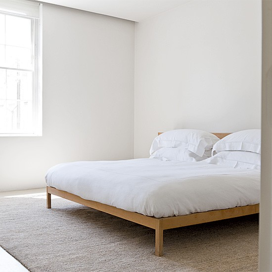 Minimalist white bedroom bedroom furniture buying a for Bed minimalist design