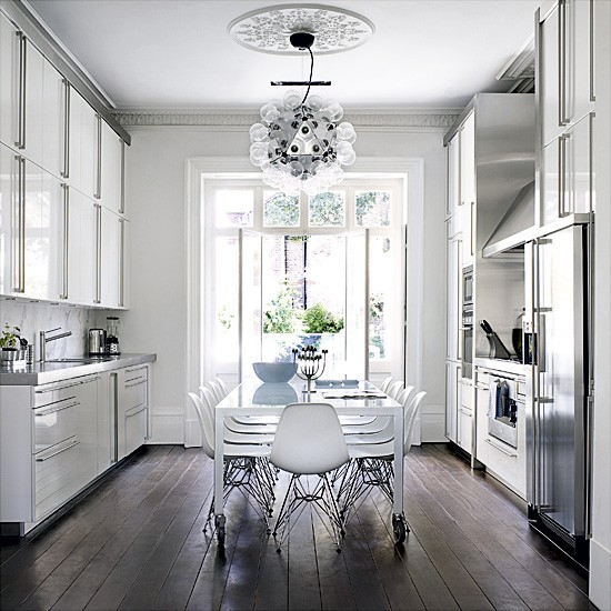 Kitchen-diner with statement light | Kitchen designs | Statment lighting | image | Housetohome