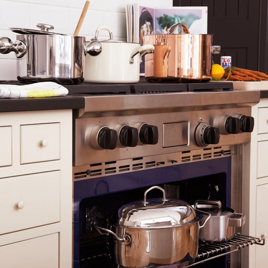 Gas ranges remain a firm kitchen appliance favourite