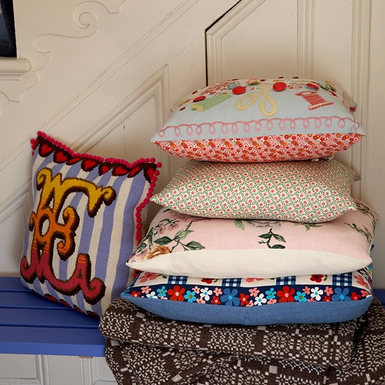 Hallway with mix-and-match cushions | Hallway decorating ideas | Cushions | Image | Housetohome