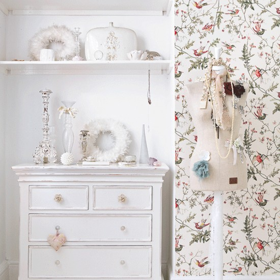 Vintage country bedroom bedroom bedroom ideas for Vintage bedroom wallpaper