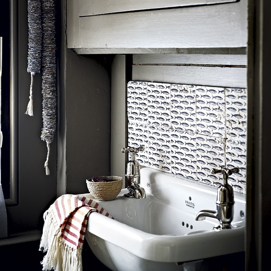Laundry Layouts And Ideas Small Living Rooms Rustic: Rustic Utility Room Sink