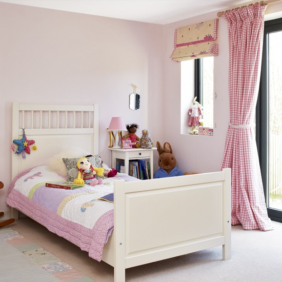 Pink And White Girl 39 S Bedroom Children 39 S Bedrooms