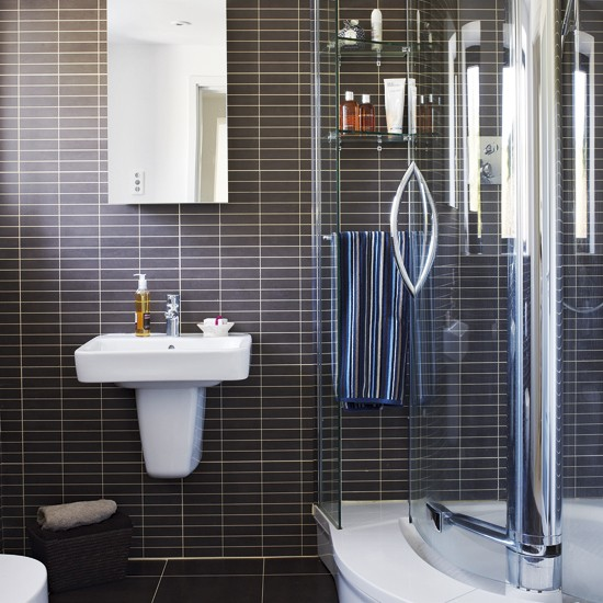 Black and white ensuite bathroom ensuite bathrooms for Bathroom ideas black tiles