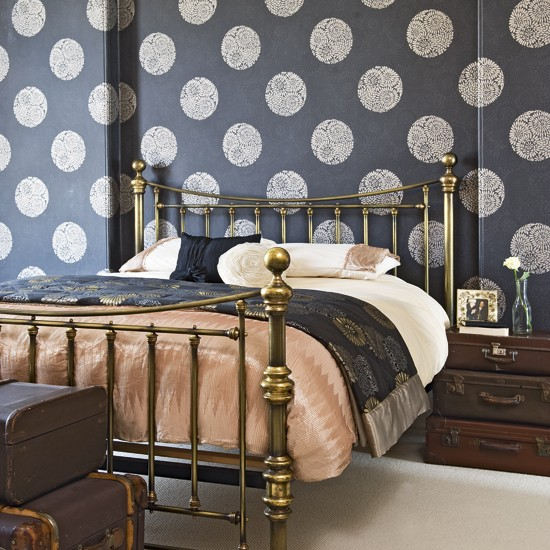 bedroom with dramatic black wallpaper modern bedrooms wallpaper. Black Bedroom Furniture Sets. Home Design Ideas