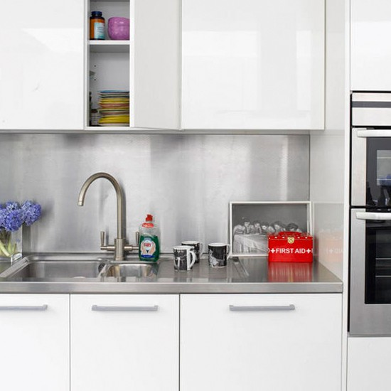 Stainless steel splashback | Modern kitchen | Kitchen ideas ...