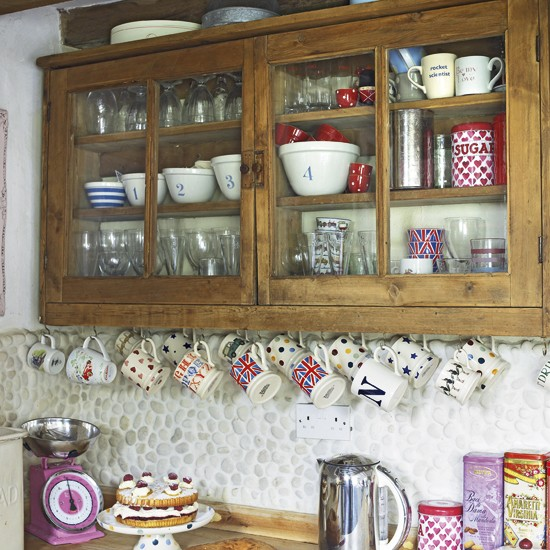 country kitchen storage kitchen cupboards shelving. Black Bedroom Furniture Sets. Home Design Ideas