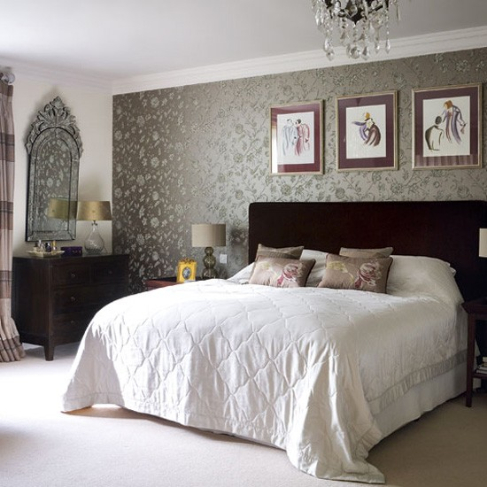 Bedroom ideas designs for Vintage bedroom wallpaper