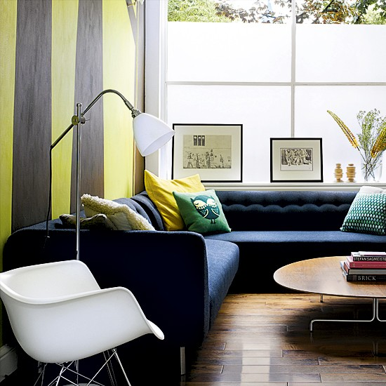 Modern living room with striped wallpaper | Modern living rooms ...