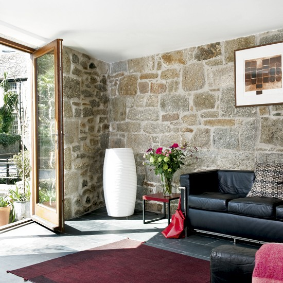 Light living room with exposed walls | Large living rooms | Sofas | Image | Housetohome