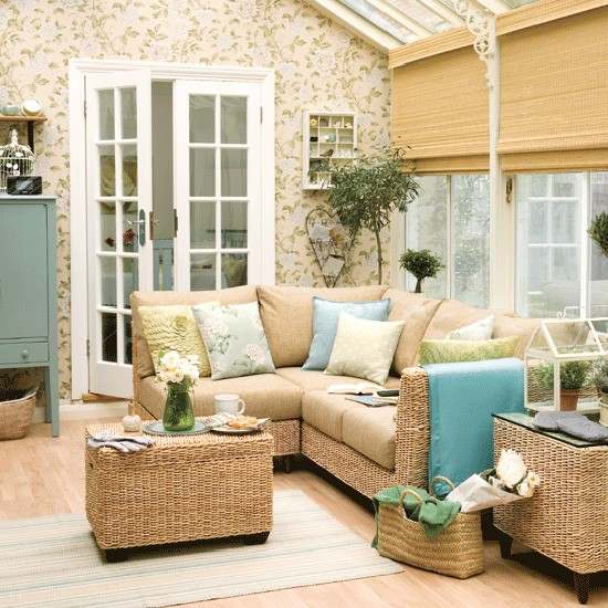 Traditional colonial style conservatory consevatory for Conservatory interior designs