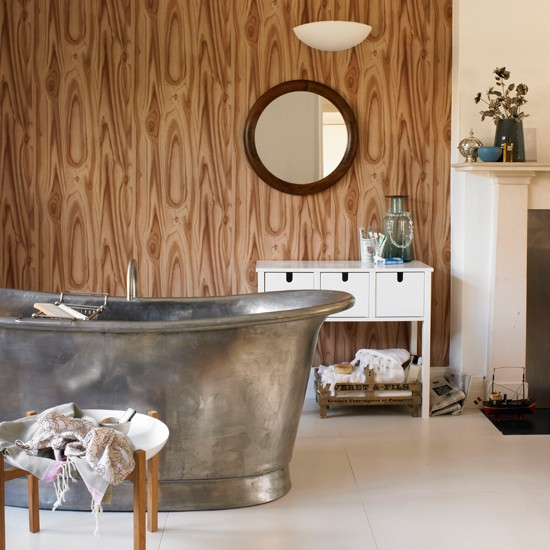 Wood print wallpaper | Bathroom wallpaper | bathroom decorating ideas| bathroom | decorating ideas | PHOTO GALLERY | housetohome