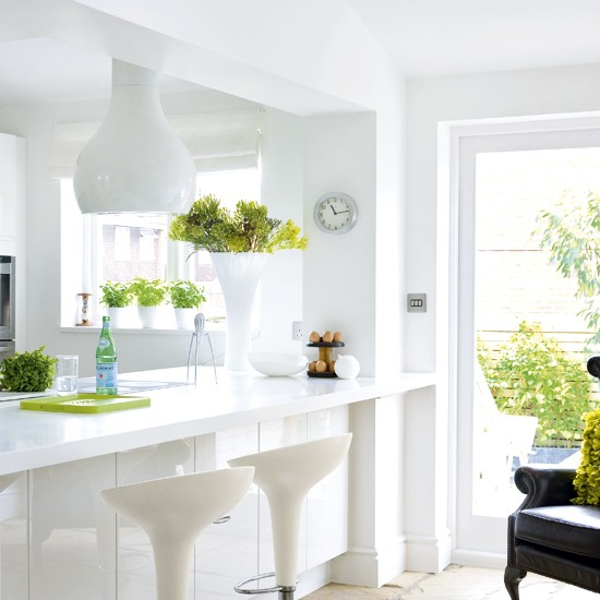 White kitchen | Minimalist kitchen | Breakfast bar | Image | Housetohome