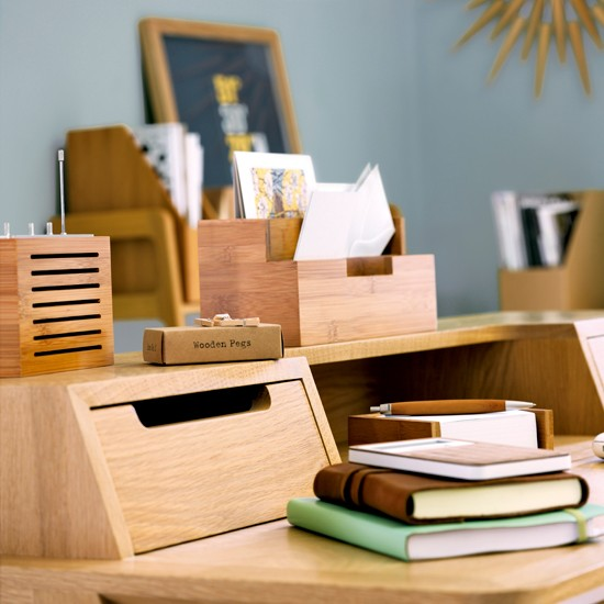 Natural-style home office | Wooden desk | Wooden storage | Image | Hosuetohome