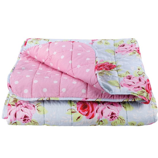 Rose bedspread from cath kidston vintage bedroom for Cath kidston style bedroom ideas