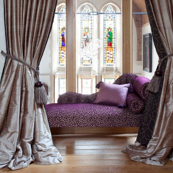 Chaise longue | Create a romantic bedroom for Valentine's Day | Valentine's Day bedroom | PHOTO GALLERY