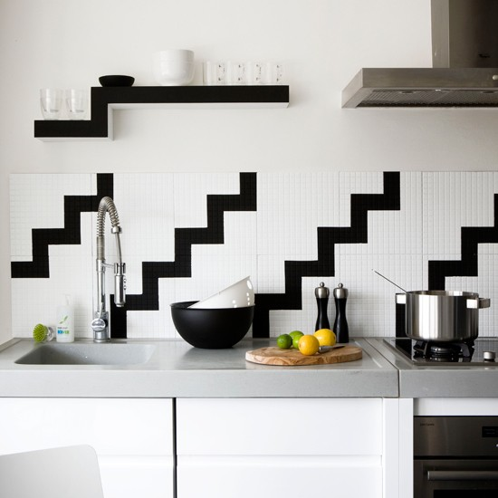 Geometric kitchen splashback black and white kitchens for Black kitchen walls