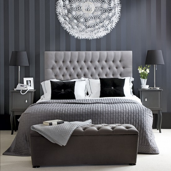 http://housetohome.media.ipcdigital.co.uk/96%7C00000e2cf%7C0004_orh550w550_Monochrome-bedroom-Ideal-Home.jpg