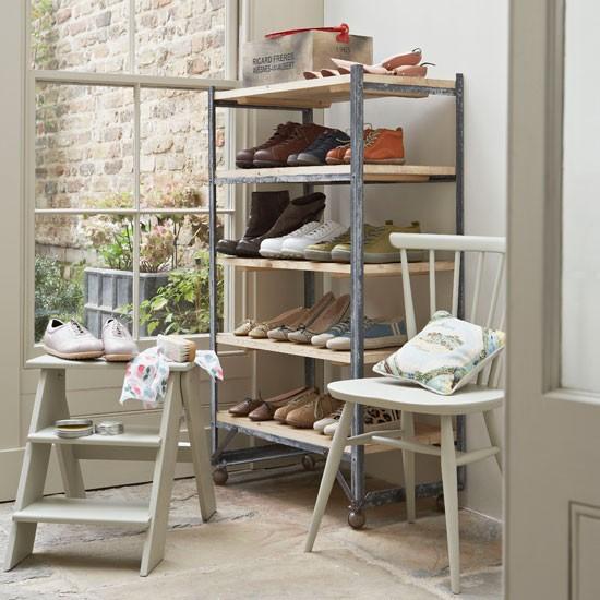 Make space for a shoe rack | Country-style utility rooms | Decorating ideas | PHOTO GALLERY | Housetohome.co.uk