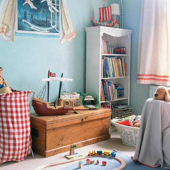 Find neat ways to store bedlinen funky children 39 s for Funky shelving ideas