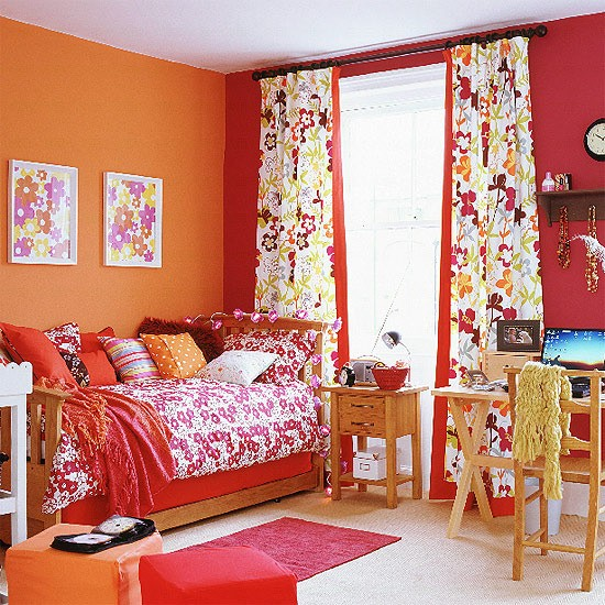 Orange and red bedroom colourful children 39 s bedroom Orange and red living room design