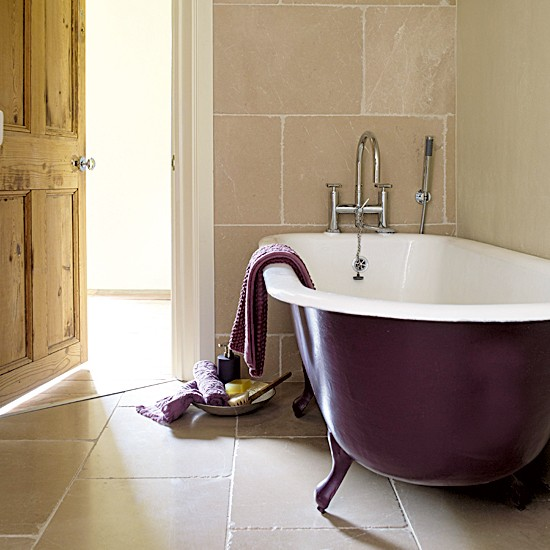 Tumbled marble tiles country bathrooms 10 new looks for Tumbled marble bathroom designs