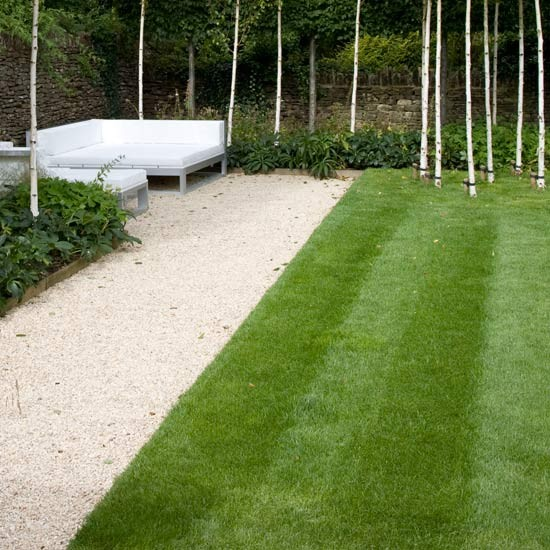 Neaten lawn edges march gardening ideas 10 things to for Gardening jobs for march