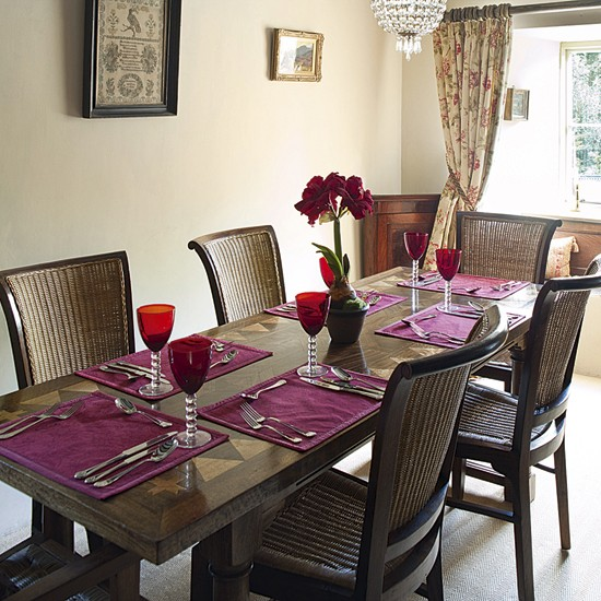 Dining room with warm accents traditional dining room - Comedores bonitos y modernos ...