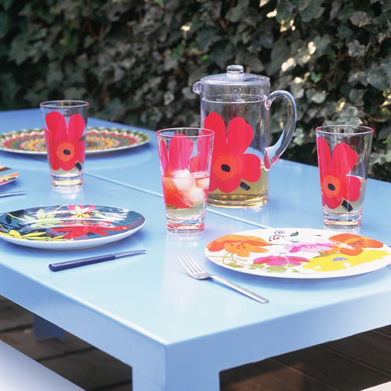 Bright and bold tableware | colourful garden ideas | how to add colour to your garden | colour week | housetohome
