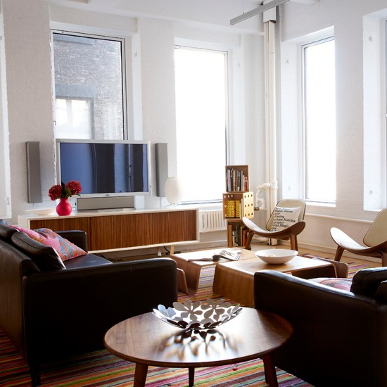 New york loft style apartment house tour for Living room nyc