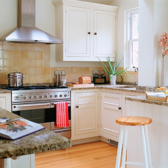Country kitchen with built-in oven | Country kitchens | Kitchen design | PHOTO GALLERY | Housetohome.co.uk