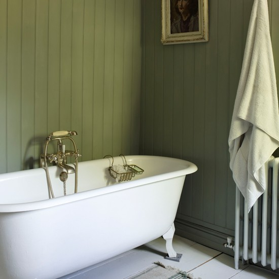 Bathroom | Cosy Georgian cottage house tour