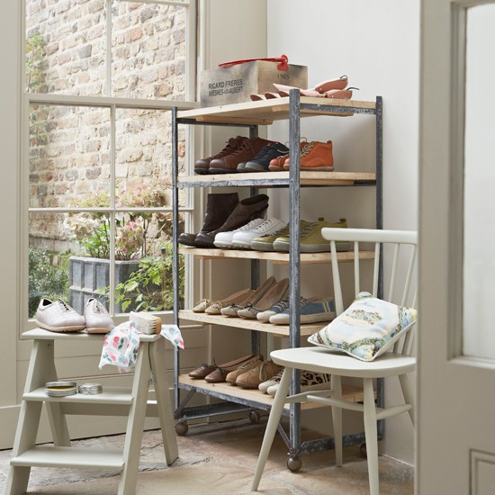Utility room boot storage country style utility rooms for Mueble zapatero plastico