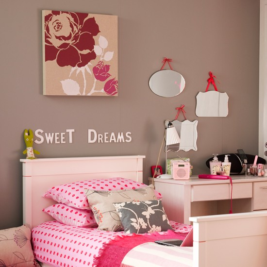 Mix a patchwork of colour and texture | 10 kids bedroom ideas | Kids bedroom decorating ideas | PHOTO GALLERY