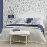 Create a pretty guest bedroom in 5 steps