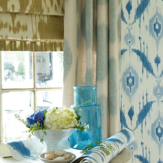 Ikat living room wallpaper | Spring decorating trends | Image | Housetohome