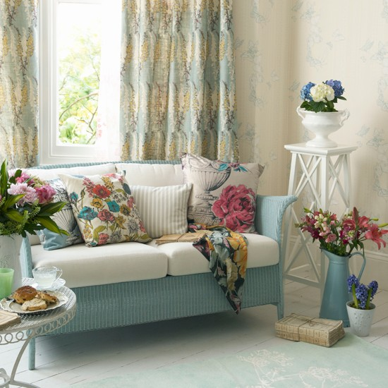 Floral living room country style living room - Floral country living room furniture ...