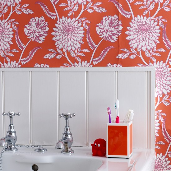 Traditional bathroom with red and pink wallpaper | colourful bathroom ideas | bathroom ideas | PHOTO GALLERY | Housetohome.co.uk