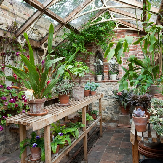 Classic garden greenhouse garden design for Home garden greenhouse design