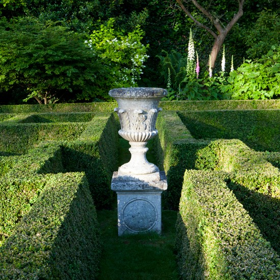 Garden maze formal garden design for Garden maze designs