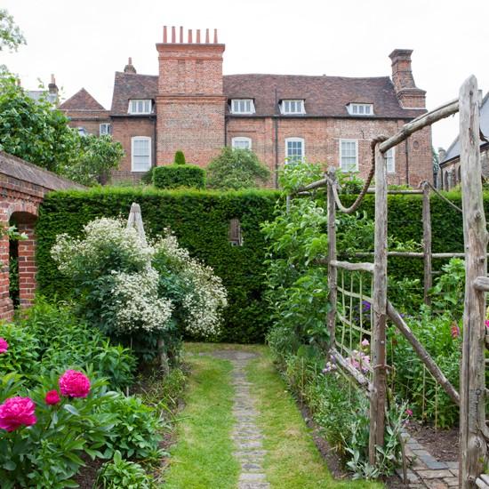 secret garden garden design