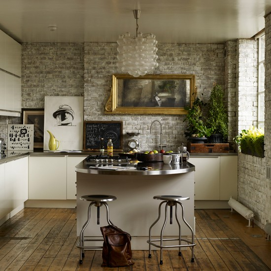 Eclectic White Kitchen: Functional With Fancy Kitchen