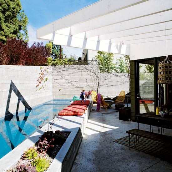 Pool area | Take a tour around a modern LA home | House tours | PHOTO GALLERY